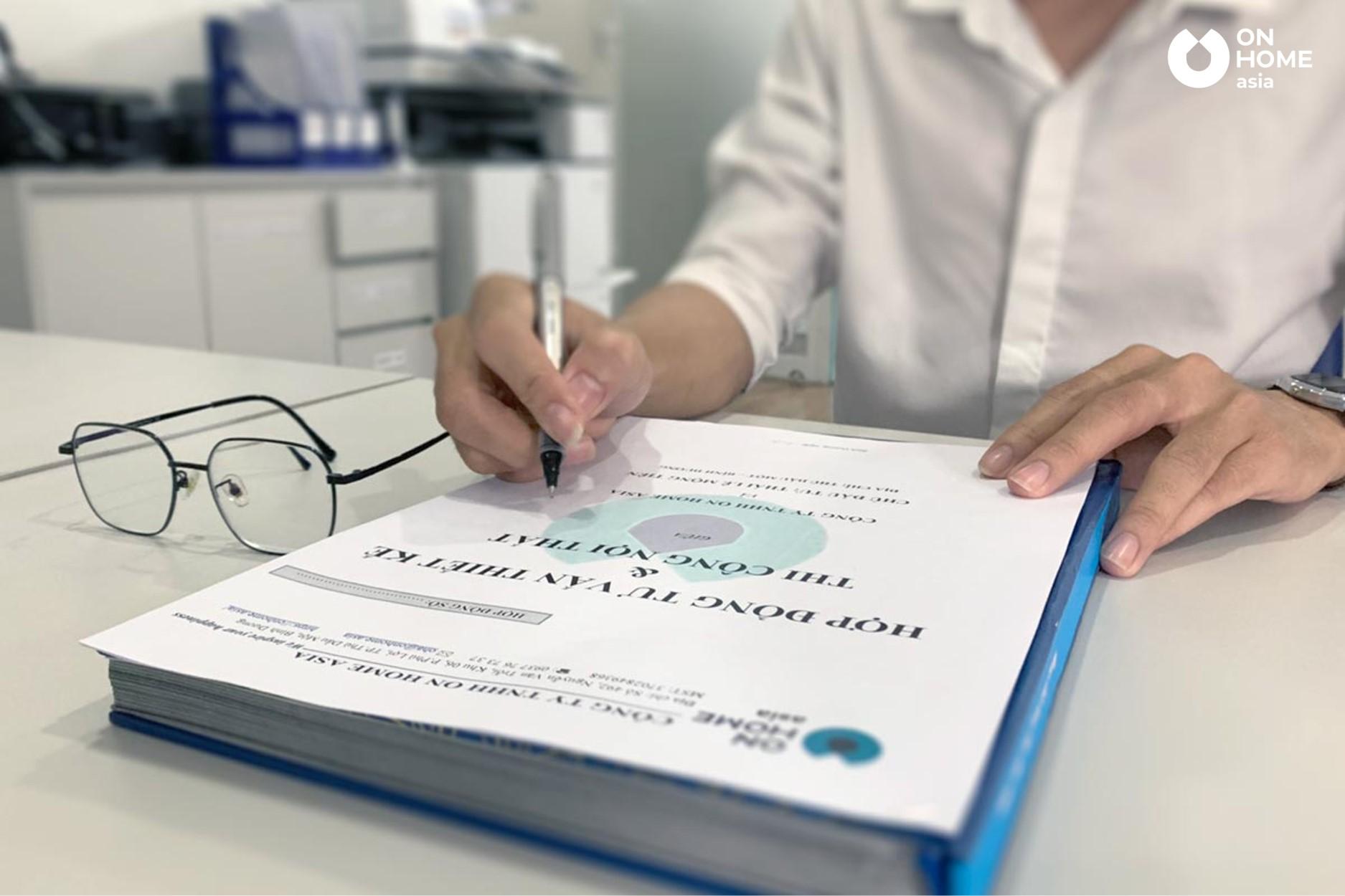 ký hợp đồng thi công